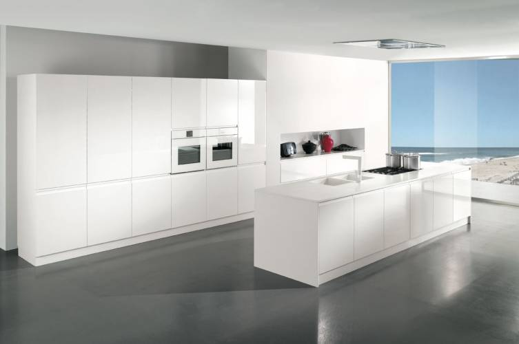 Cucina moderna wega arredo 3 vendita di cucine a roma for Cucina moderna bianca lucida